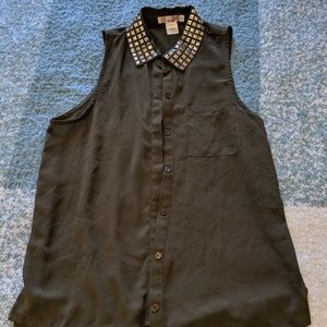 Studded Collar Army Green Sleeveless Button Down